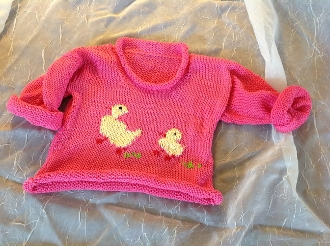 Sweater dark pink ducklings